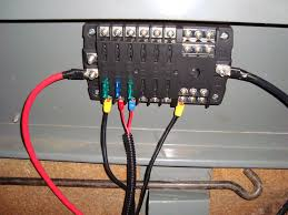 auxillary fusebox install land rover technical blog fusebox detail showing the two 12v supply banks and 12 common earths