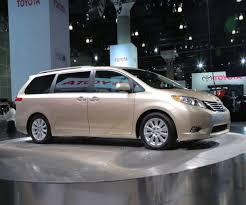 2017 Toyota Sienna Review - Updated Family Minivan