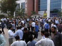 Pakistan is one of the most seismically active countries in the world, being crossed by several major faults. Earthquake In Delhi Today Mild Earthquake Tremors Felt In Delhi Ncr India News Times Of India