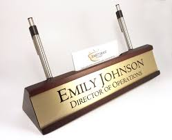 personalized desk name plate nameplate business card and pen holder mahogany color desk wedge with brushed gold look aluminum insert