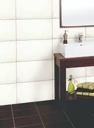 Auf die fenster im badezimmer kommen besondere aufgaben zu. Bodenfliesen Verlegen Anleitung In 9 Schritten Obi