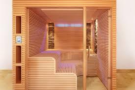 Sauna Mit Schmalen Leisten Und Zwei Steinstreifen Erdmann