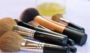 how to clean your makeup brushes color