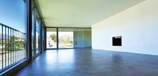 Da liegen jetzt auf kies einfache terassenplatten aus beton, ca. Bodenbelage
