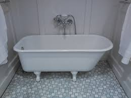 clawfoot bathtubs vintage sinks