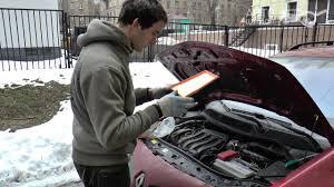 Замена <b>воздушного фильтра двигателя на</b> Renault Megane II ...