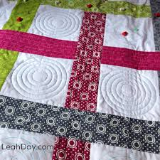 The Free Motion Quilting Project: Machine Quilting the Basket ... & This week I've shared a new video on how to machine quilt the Basket Weave  quilt with a super easy, beginner level design! Adamdwight.com