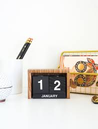 make a retro desk calendar for the new year hot