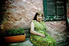 Nothing in the sky with little - Katerina Angelaki-Rook died ATHENS 9,84