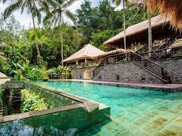 the hanging gardens of bali is located near the village of payangan in the heart of bali