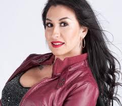 Beatriz Solís colabora con su padre 'El Buki', pero traza a la vez ...