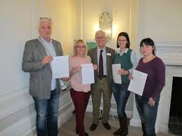 porto supports social worker training nidotherapy porto supports social worker training dragoljub nada zeljka and ena receive their certificates from peter tyrer at the end