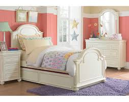 Off White Furniture Bedroom The Amber Collection Antique White Leons