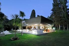 ultra modern architecture. Modren Modern Ultramoderninteriorfeaturingfuturisticarchitecture1 In Ultra Modern Architecture H