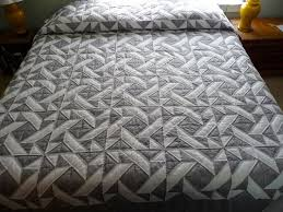 11 best Amish Two-Color quilts images on Pinterest | Amish quilts ... & Vuelo Martins Amish Quilt en gris y blanco por QuiltsByAmishSpirit Adamdwight.com