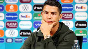 Kursabsturz bei Coca Cola: Ronaldos Grätsche - die keine war - ZDFheute