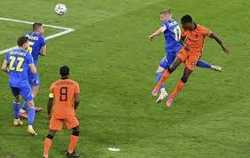 """Aktuell sieht es in den niederlande vs ukraine prognosen für die """"elftal aber wieder einmal gut aus. Spektakel In Amsterdam Niederlande Schlagt Die Ukraine Reviersport"""