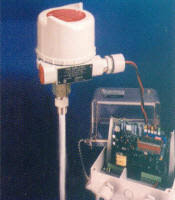 delavan process instrumentation remote mount r f capacitance continuous level transmitter onboard lcd two wire operation between electronics and probe