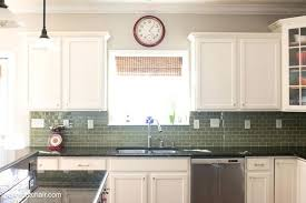 best way to paint kitchen cabinets spray or brush