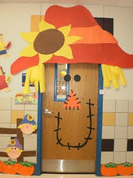 Image School 11 Giant Scare Crow Door Bored Teachers 30 Super Cool Classroom Doors To Bring In The Fall Season At School