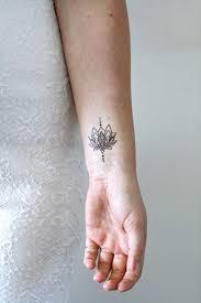 Small Lotus Temporary Tattoo Tattoo Tetování Nápady Na Tetování