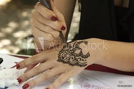 Fotografie Obraz Tatuaggio Sulla Mano Tattoo On The Hand Posterscz