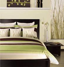 green, brown, and white bedroom decorating ideas