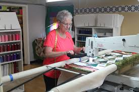 APQS quilting machine table & frame sizes – what you need to know ... & apqs machines, table size, frame size, longarm machine quilting, longarm  quilting, Adamdwight.com