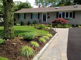 Landscaping Ideas Landscaping And Front Yards On Intended For Ranch House  Landscaping Ideas >> source ...
