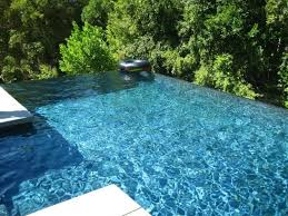 an infinity edge pool can be a dramatic design element