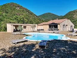 vacances dans la drôme avec piscine
