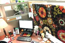 Office cubicle decoration themes Diwali Office Cubicle Decorating Office Cubicle Decoration Themes Office Cubicle Decorating Ideas Cubicle Office Decorating Ideas Desk Greenandcleanukcom Office Cubicle Decorating Sellmytees