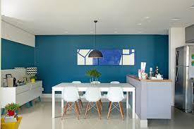 Além disso, é necessário prever uma copa e um banheiro para funcionários. 10 Salas De Jantar Com Parede Colorida Minha Casa