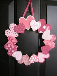 wooden hearts wreath via green en 31