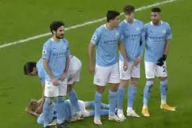 Born 15 december 1996) is a ukrainian professional footballer who plays for premier league club manchester. Video Dias Positions Lain Down Zinchenko Behind Man City Wall At Anfield