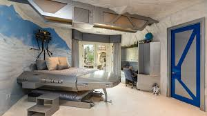 A Bedroom on Another Planet