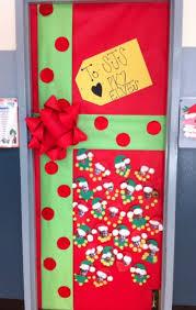 classroom door ideas for christmas   Oh deer! pinned by Laura Wade via  Pinterest