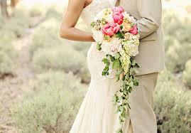 5 styles of <b>classic bridal</b> bouquets