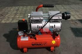 Máy bơm hơi mini xách tay PT-310 diện áp 220v - thietbimientrung.vn