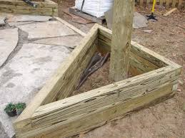 how to build triangular planter boxes