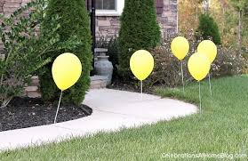 outdoor party decor with balloons