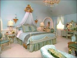 Italian Bedroom Decor Bedroom Decor With Bedroom Furniture Antique Bedroom  Furniture Italian Dining Room Decorating Ideas .