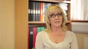 Margaret Coyle explains Psychanalytic Psychotherapy - YouTube