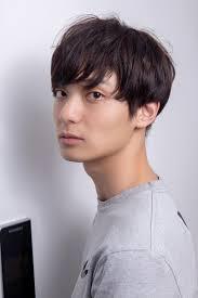 韓国ヘアスタイル ソフトなエシュカラー男子パーマ韓国風のヘアー