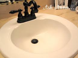 here s a quick tip for cleaning bathroom sinks and keeping them clean all week long it s good to clean your bathroom sink once a week but in the meantime
