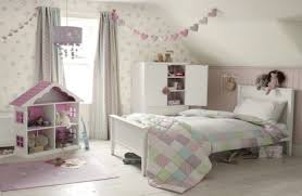 Love This So Much  Itu0027s On My Bedroom Walls And Makes Me Feel Papel Pintado Laura Ashley