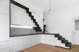 Haben sie besonders breite türen oder treppen, können sie eine zusätzliche erweiterung kaufen, die sich anstecken oder anschrauben lässt und das gitter auf diese weise vergrößert. Wie Bauherren Die Treppe Geschickt In Den Grundriss Integrieren