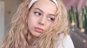 youthful no makeup makeup look theelizarose