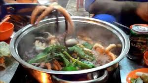 Cooking and eating live octopus in Vung ...