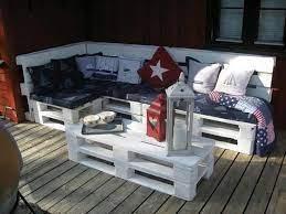 garden furniture from wooden pallets